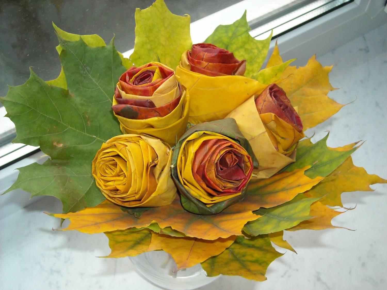 Роза из листьев клена фото 3